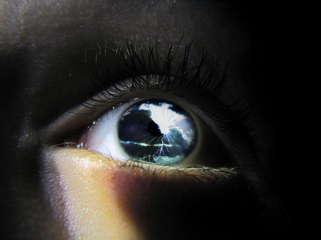 eye-637341_640